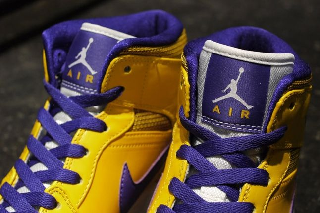 Air Jordan 1 Lakers Tongues 1