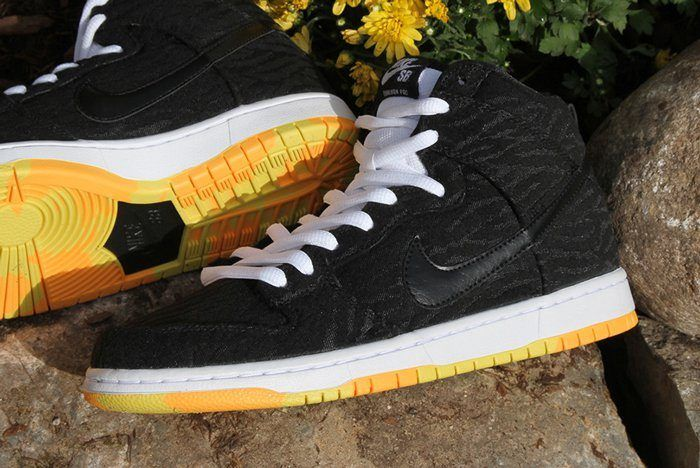 Nike Sb Dunk High Skunk