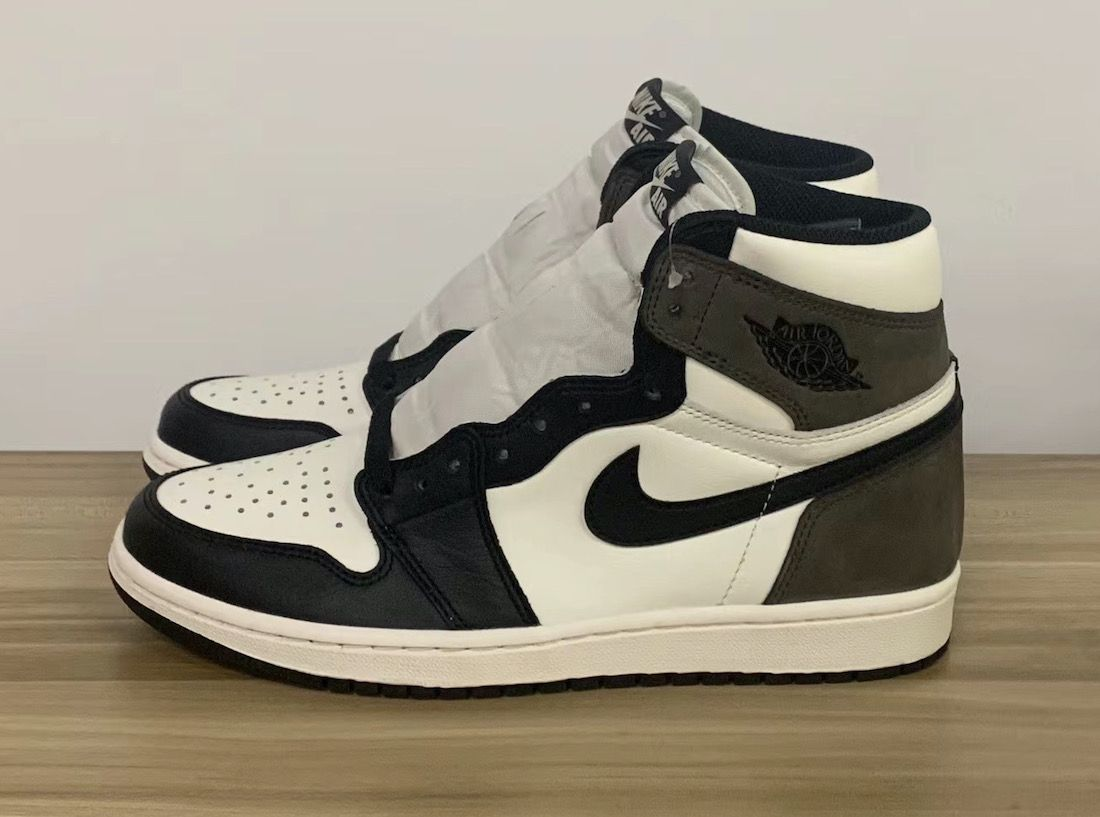 Air Jordan 1 Dark Mocha Left