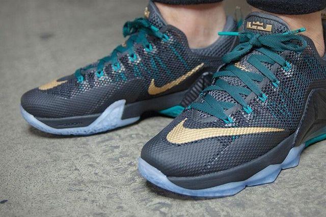 Nike Le Bron Xii Metallic Gold 2