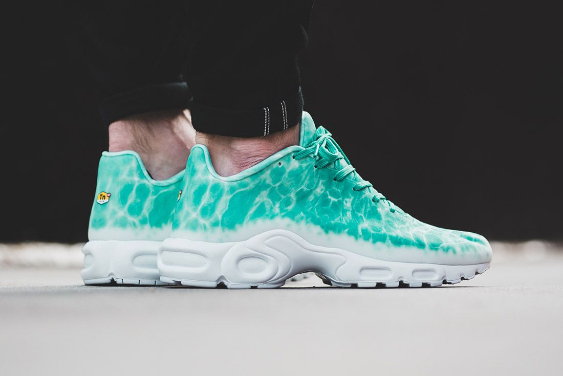 Nike Air Max Plus Swimming Pool24