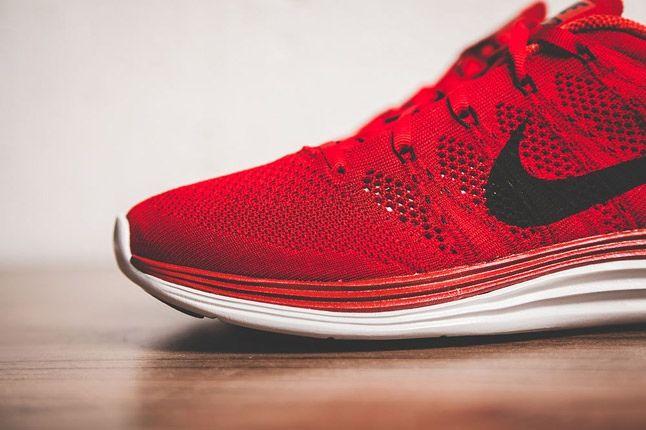 Nike Flyknit Lunar 1 Gym Red Toe Detail