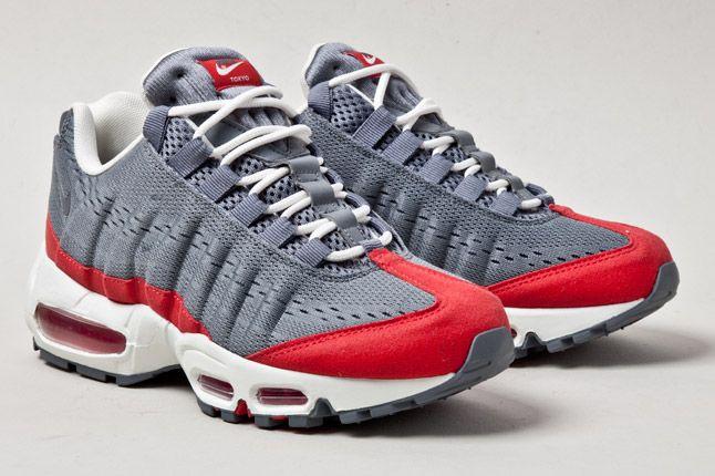 Wmns Nike Air Max 95 Wyn Tokyo Red Grey Pair 1