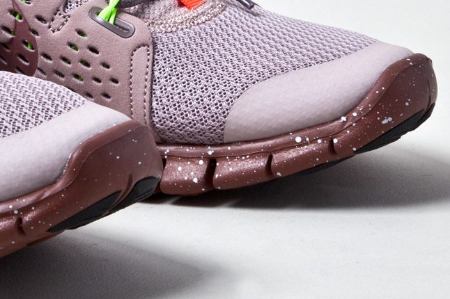 Nike Free Powerlines 2 Diffused Taupe Toes 1