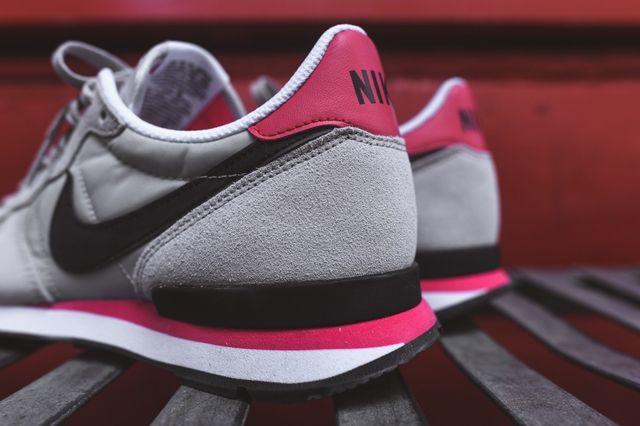 Nike Internationlist Neutral Grey Infrared 3