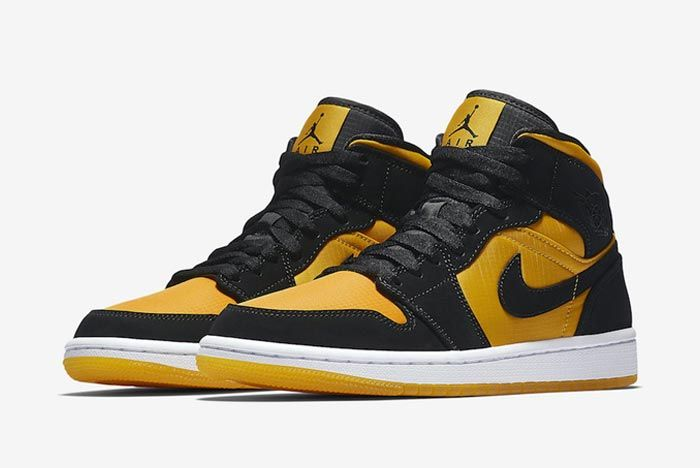 Air Jordan 1 Black University Gold Pair