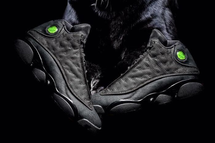 Air Jordan 13 Black Cat1