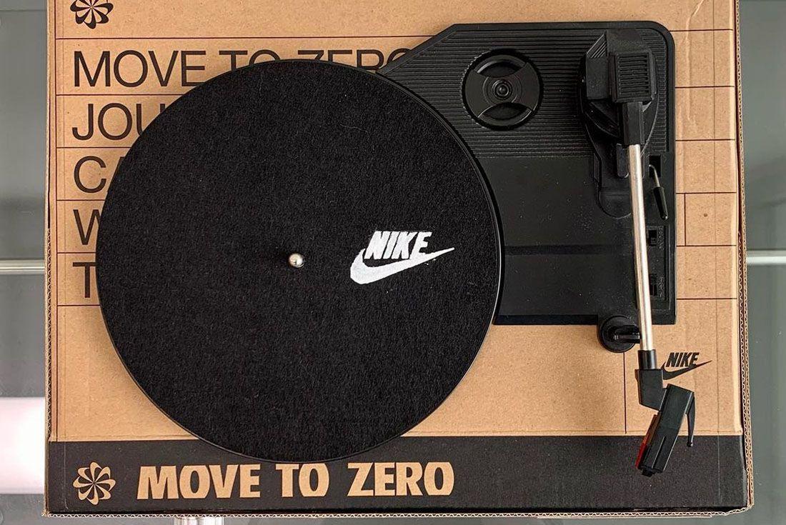 Shin Gwang Nike Shoebox Turntable