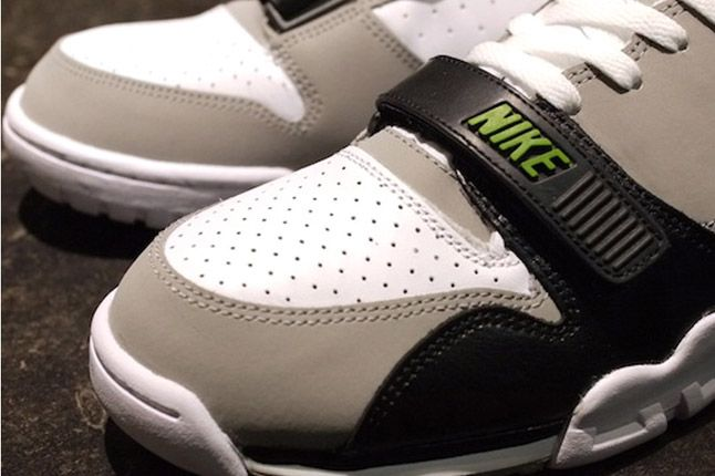 Nike Air Trainer 1 2012 Chlorophyll Toes 1