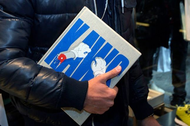 Kaws Book Signing Colette 6 1
