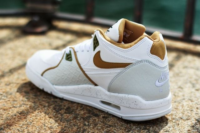 Nike Air Flight 89 White Flat Gold Pure Platinum 1