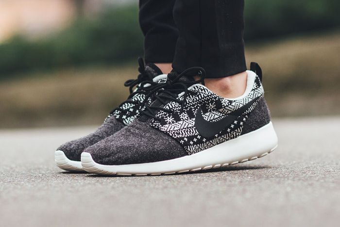 Nike Roshe One Winter Wmns Sweater Pack3