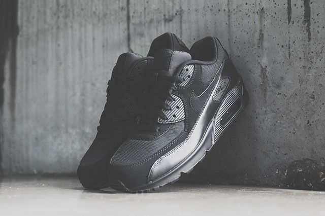 Nike Air Max 90 Triple Black 11