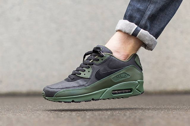 Nike Air Max 90 Winter Black Carbon Green 2