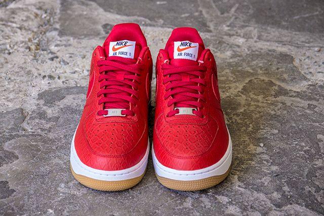 Nike Airforce1 Universityred 1