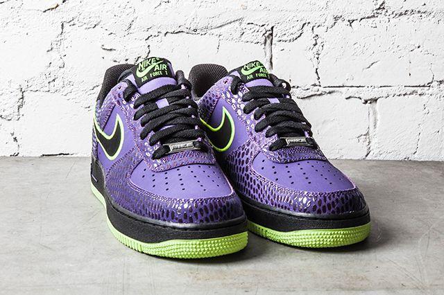 Nike Air Force 1 Court Purple Volt 2