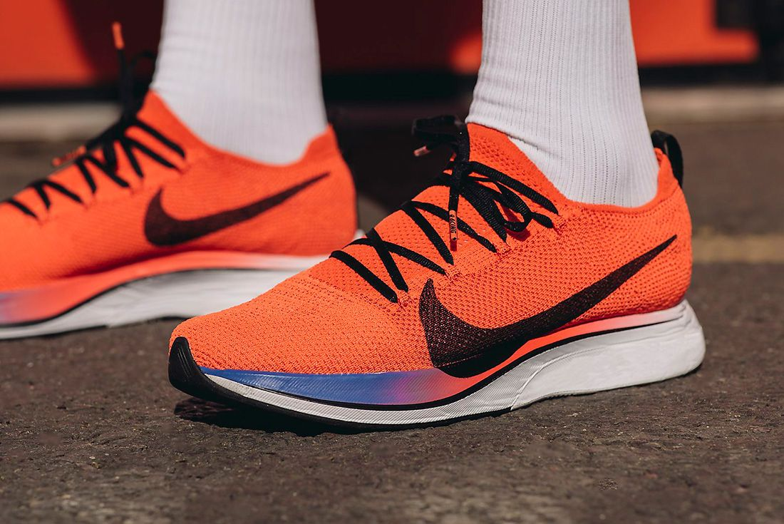 Vaporfly 4 Flyknit Running Shoe Hero