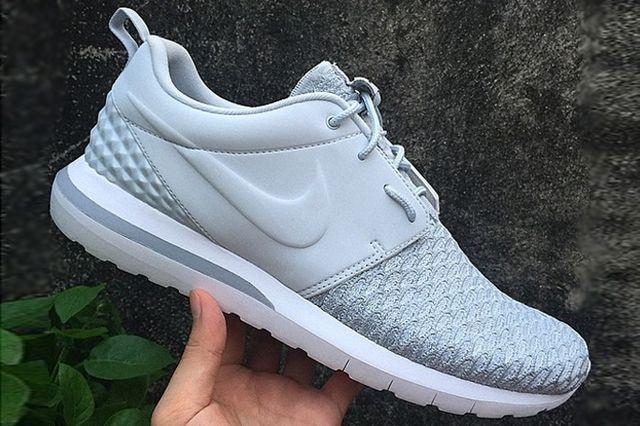 Nike Flyknit Roshe Run Vactech 1