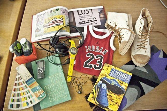 Sneaker Freaker Desk 1