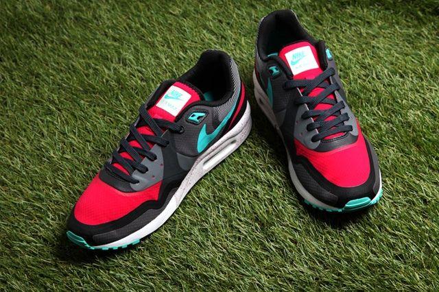 Nike Air Max Light Water Resistant Pack 4