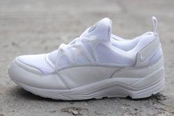 Nike Huarache Light Triple White Bumper Thumb