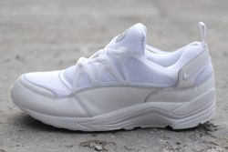 Nike Huarache Light Triple White Bumper Thumb