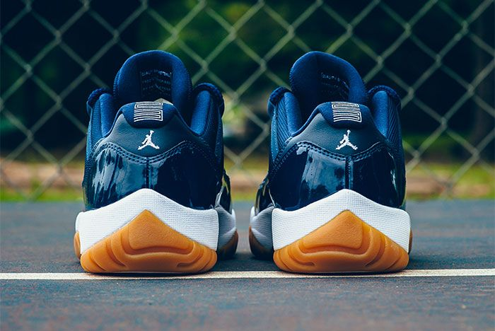 Air Jordan 11 Low Midnight Navy 4