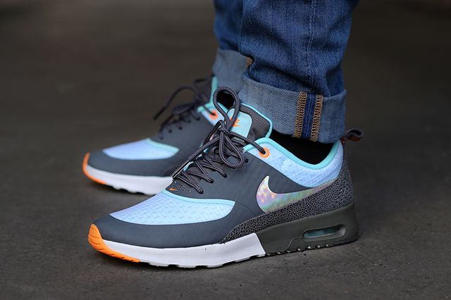 Nike Air Max Thea Holographic Glacier Ice
