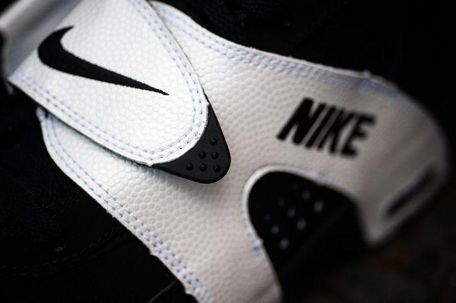 Nike Air Veer Black Strap Detail