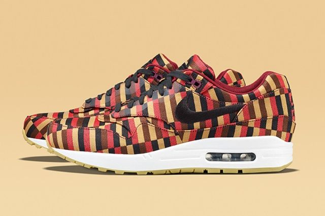 Nike X Roundel By London Underground Air Max Collection 6