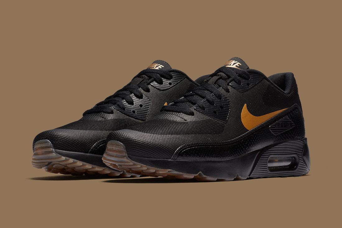 Nike Black Gold Pack 13