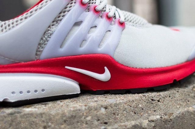 Nike Air Presto Grey Red Closeup2