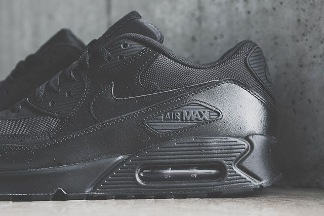 Nike Air Max 90 Triple Black 31