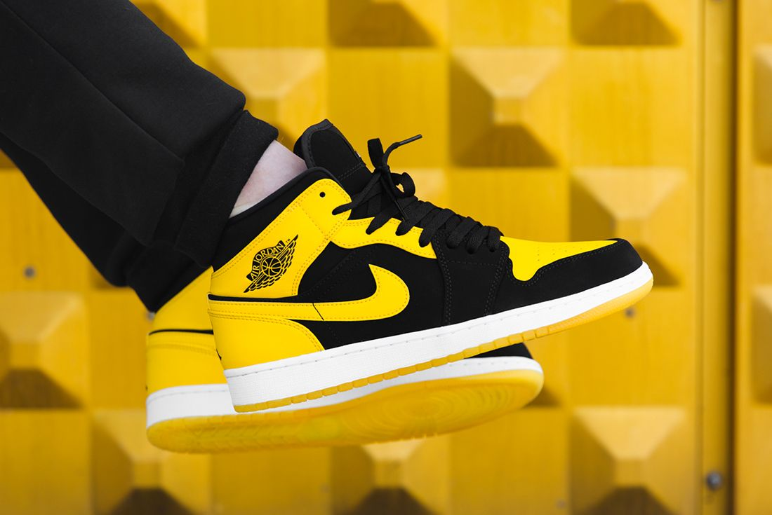 Air Jordan 1 Mid New Love2