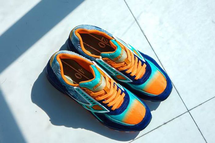 Shoe Gallery X Brooks Regent 84 Fins2