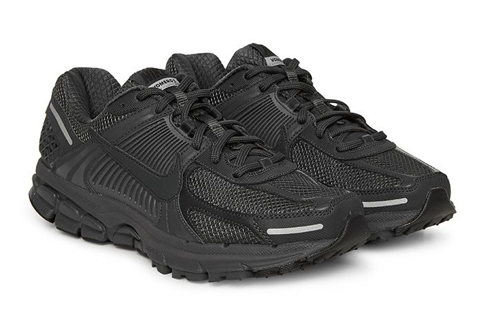 Nike Vomero 5 Triple Black