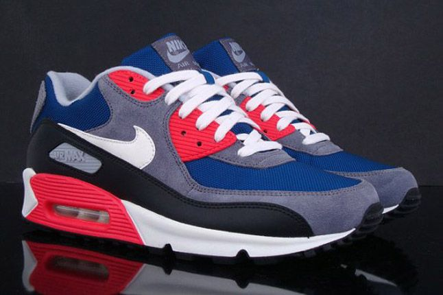 Nike Wmns Air Max 90 Dark Royalblue Charcoal 2012 Profile 1