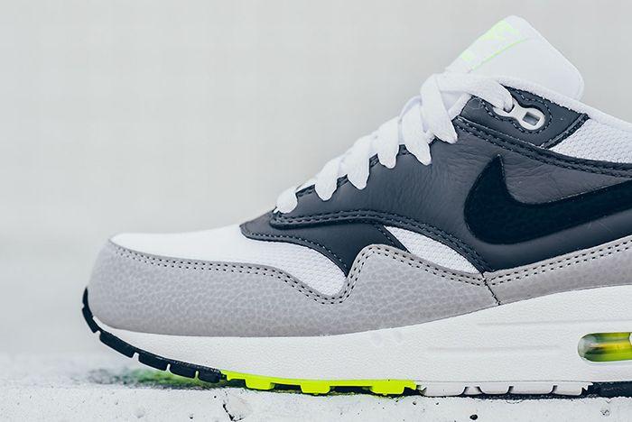 Nike Air Max 1 Neon7