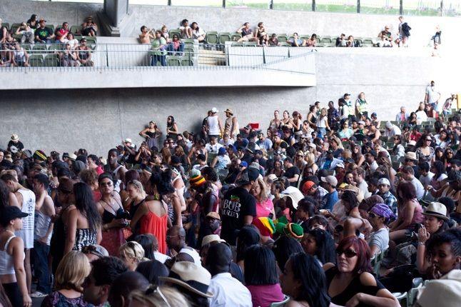 Raggamuffin Crowd 13 1