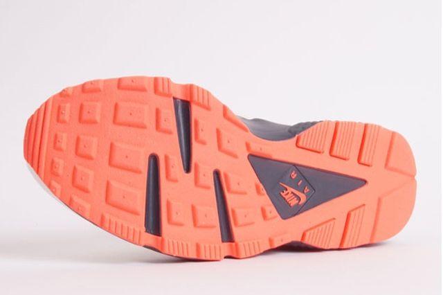 Nike Air Huarache White Grey Crimson 4
