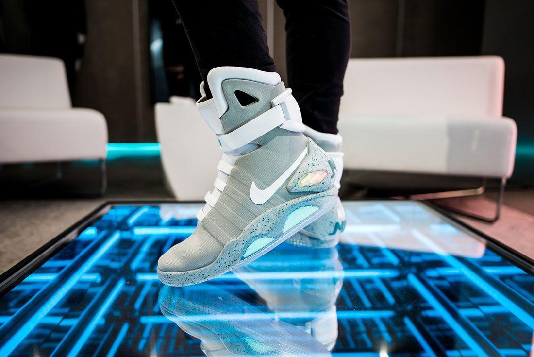 Nike Air Mag Show 6