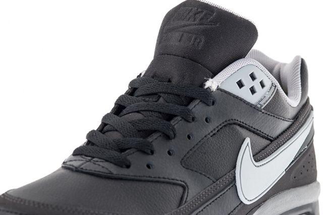Nike Air Classic Bw Black Silver Tongue