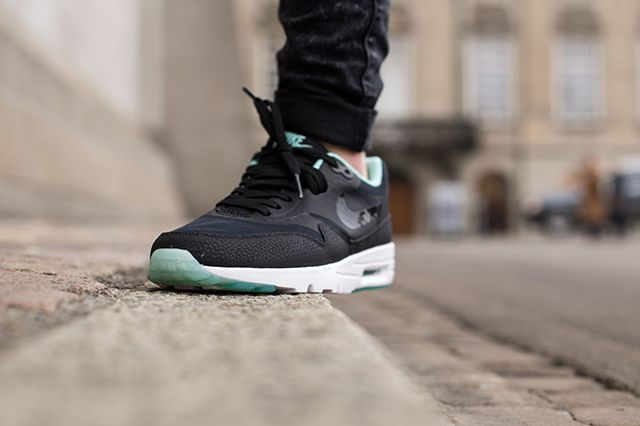 Nike Air Max 1 Wmns Teal Black 3
