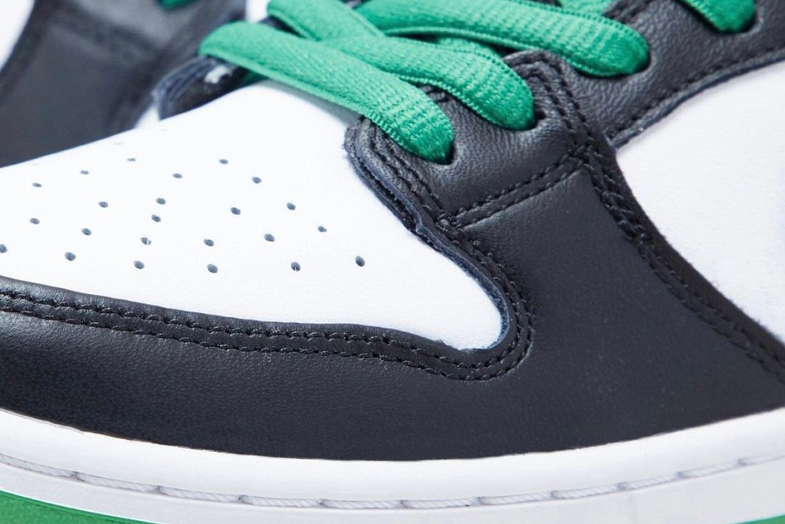 nike sb dunk low classic green on product shots