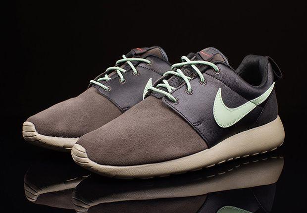 Nike Roshe Run Premium Midnight Fog Emerald Green 1