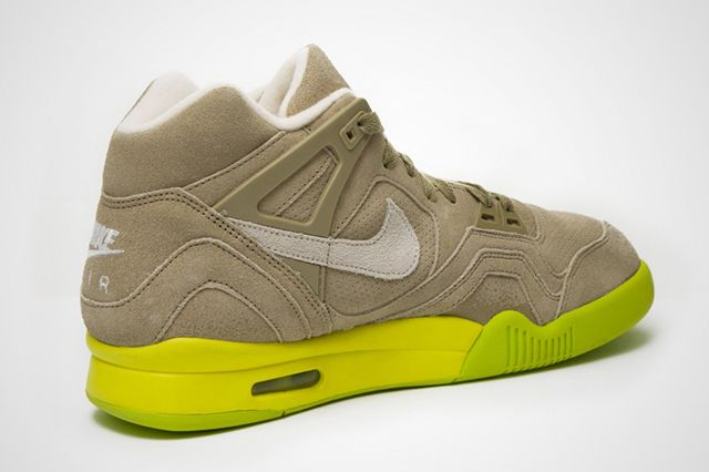 Air Tech Challenge Ii Suede Bamboo 1