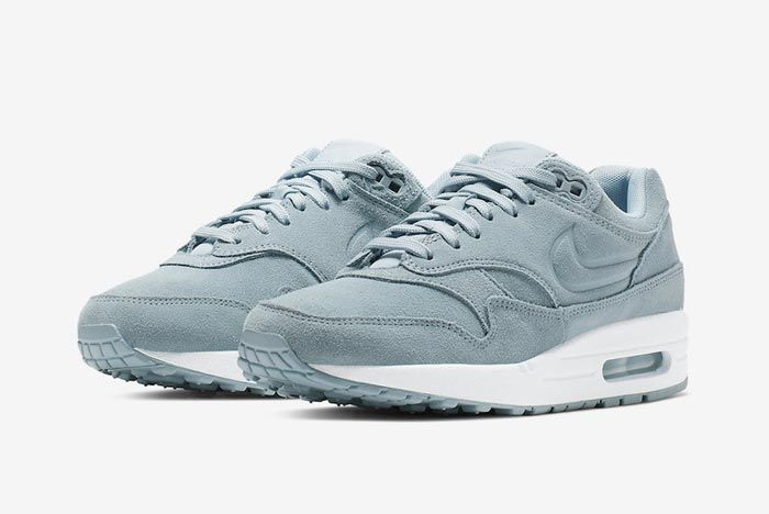 Nike Air Max 1 Turquoise Suede Pair