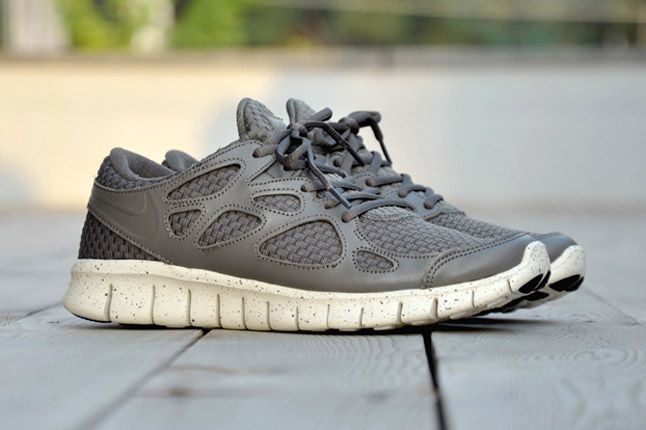 Nike Free Run 2 Woven Leather Tz Profile Grey Pair 2