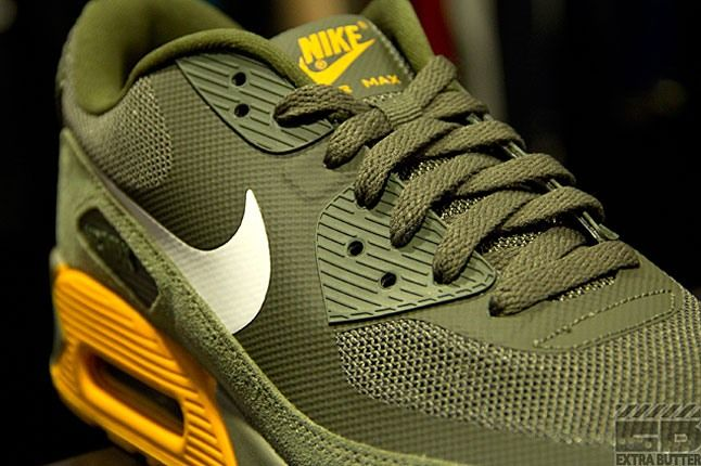 Air Max 90 Canyon Gold 1