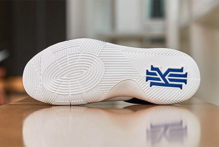 Nike Kyrie 2 Huarache 1